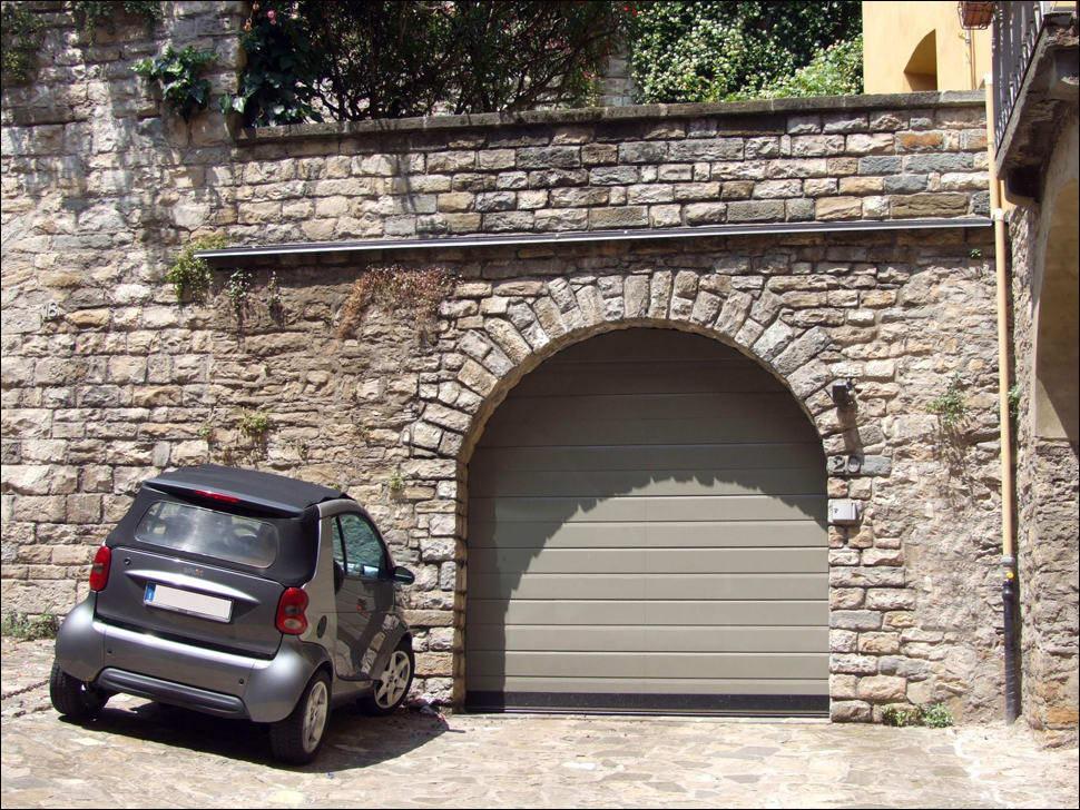 DITEC szekcionált garázskapu bármilyen alakú nyíláshoz