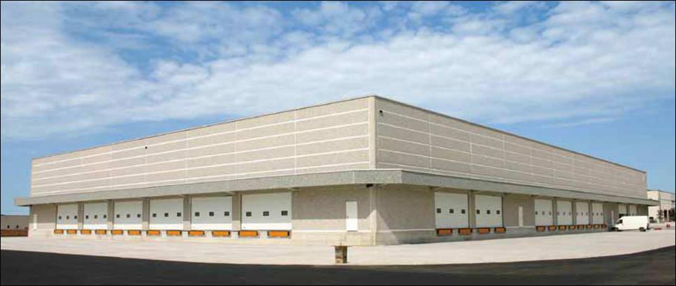 Szekcionált ipari kapu logisztikai központokhoz és raktárbázisokhoz is