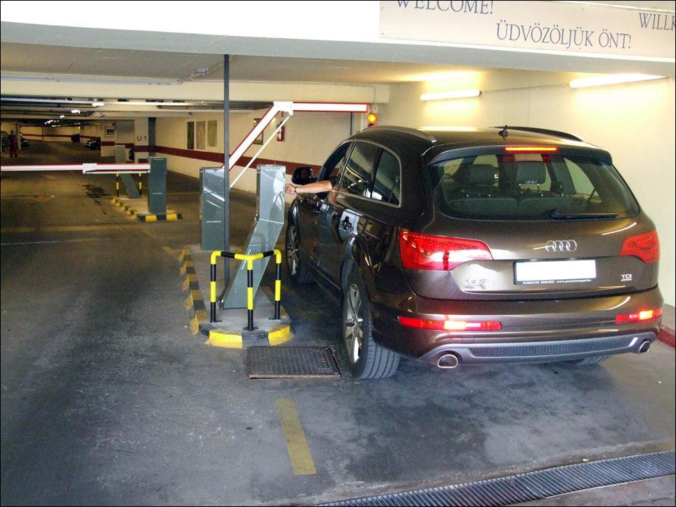 Sorompó és parkoló rendszer a Hotel Intercontinental garázsában
